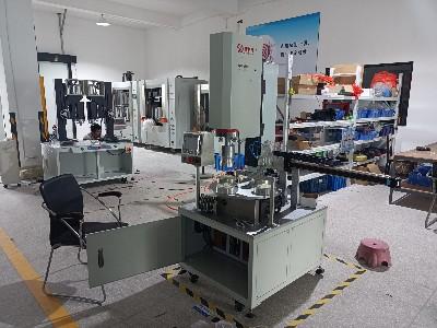 昕科技自动转盘式超声波塑料焊接机的优势
